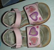 Продам сандали Бамбини для девочки,  15-16 см