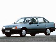 продам кузовные запчасти для Opel Kadett E